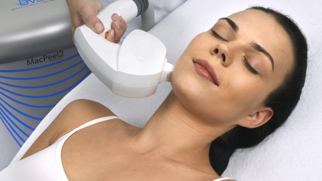 Bring out your skin's natural radiance with IPL.
